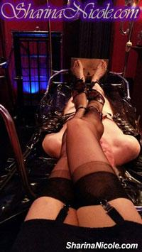 Minneapolis, MN foot fetish & foot worship session with Mistress Sharina Nicole